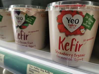 Delicious organic Kefir fermented yogurt with 14 strains of live cultures, from Yeo Valley